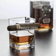 雪茄酒杯_古巴雪茄威士忌